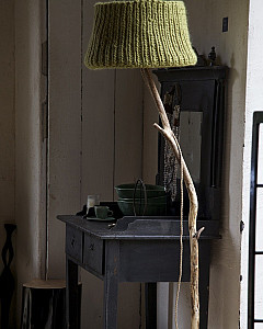 houten vloerlamp stoer | wooden robuste floor lamp by www.dutchdilight.com