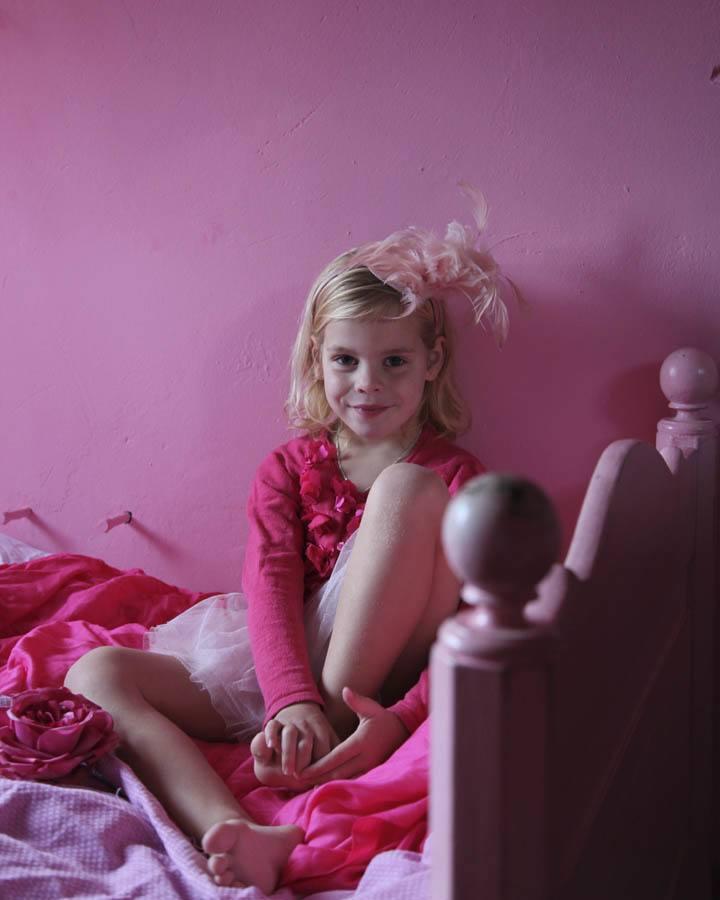 roze meisjeskamer roze hanglamp