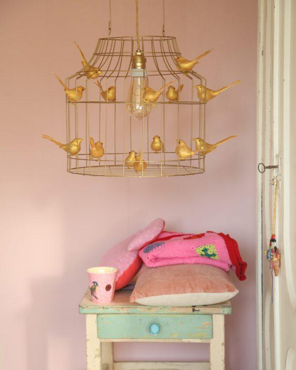 gouden hanglamp babykamer